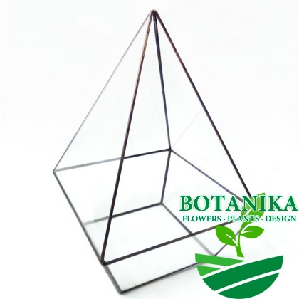 Флорариум-треугольником