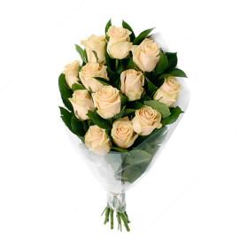 11 кремовых роз
